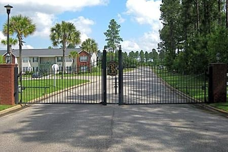 CREATING A SECOND HOME FOR YOU!! - Dothan - Appartement