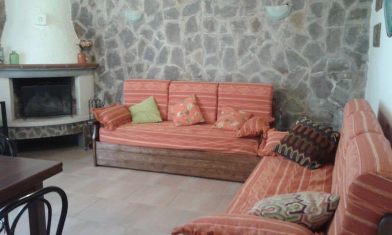 Casetta in cortile tipico a Mondello - Palermo - Hus