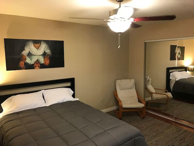 Spacious Master Suite - Los Angeles - Townhouse
