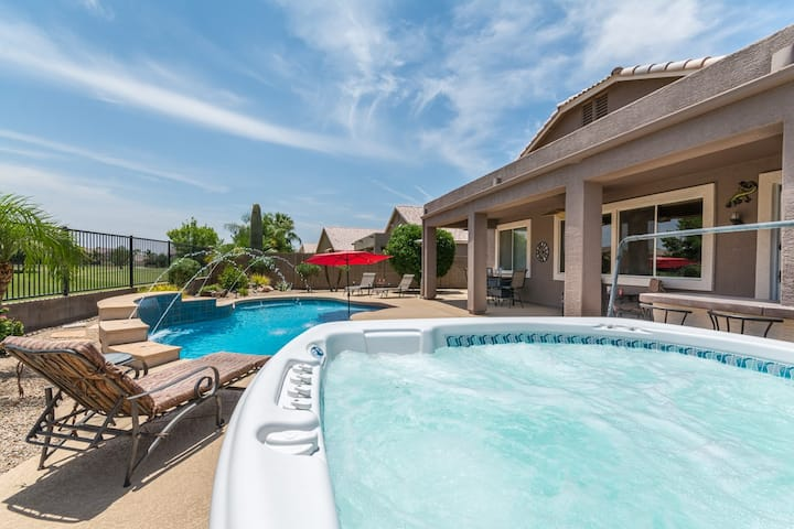 3BR 'Mesa Haven' w/Heated Pool & Spa on Golf Lot