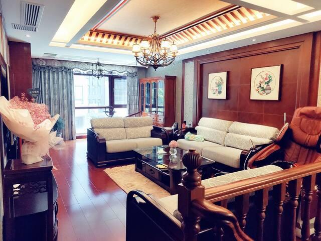 中式豪华别墅-史努比-独立房间-依云之家