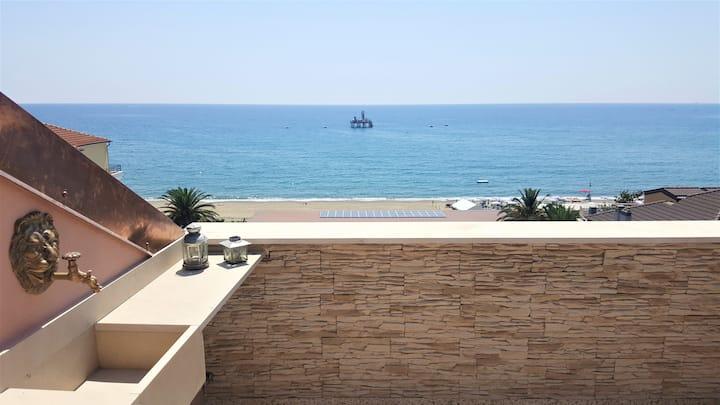 Splendida mansarda sul mare