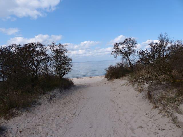 Ferienwohnung an der Ostsee mit Pool und Sauna