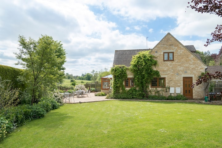 Kingfisher Cottage, Disabled Friendly, Cotswolds