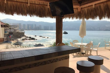 Beautiful Beachfront apartment near bar area! - Acapulco