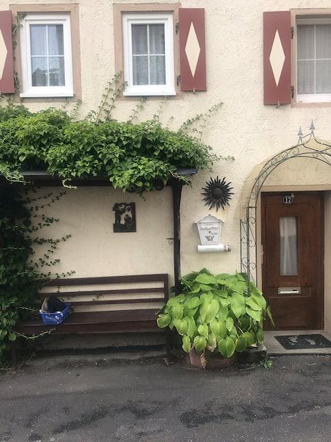 Kleines Haus im Grünen nahe der Tauber
