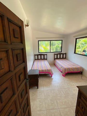 Cuarto 1 : 2 camas individuales