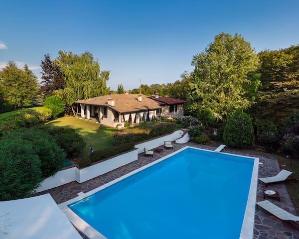 Peaceful villa with quiet garden and Private pool