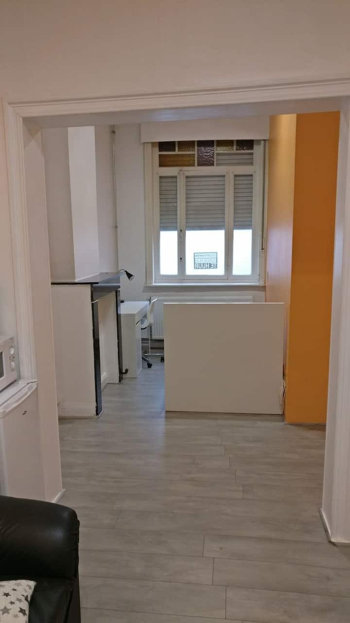 A clean modern room 1