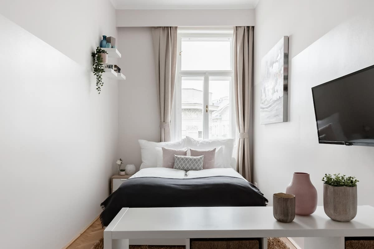 Stylish Viennese Apartment & typical Herringbone Floorboards near City Center