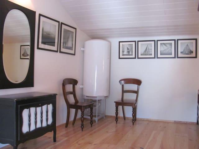 Bovenverdieping bij slaapkamer 1