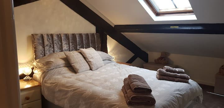 Modernised chic attic flat in Wellington, Telford