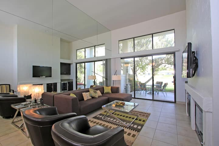 Beautifully Modernized 2 Bed Condo with Amazing Views! LQ106 LIC#110344| Sleeps: 2 Bedroom, 2 Bathroom