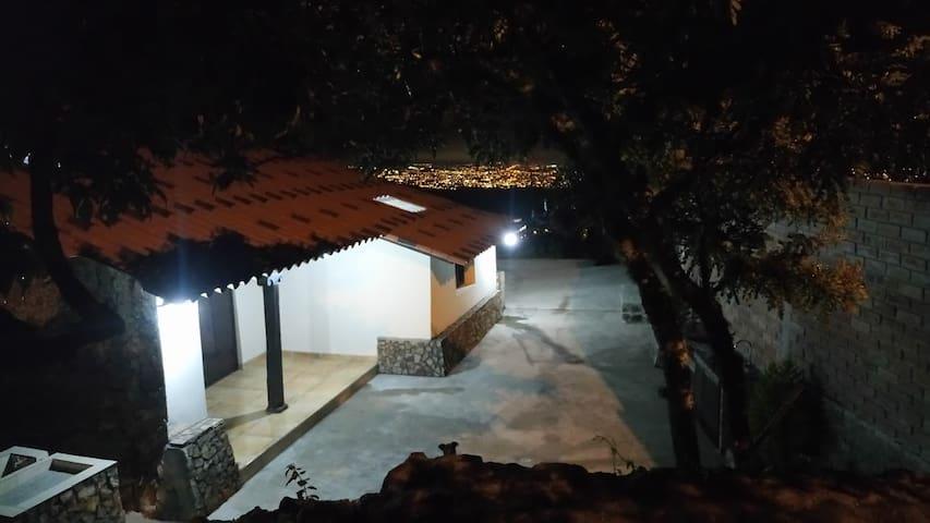 ALOBURO-IBARRA-ECUADOR / CASA DE CAMPO