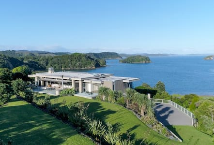 Oke Bay Beach House, Luxury in the Bay of Islands