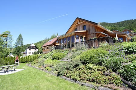 Luxurious Chalet by the Ski-Slope in Hohentauern with Infrared Sauna