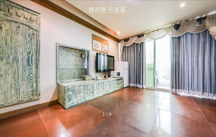 [서천비치텔] #해돋이 명소 #전 객실 황토 힐링 #서천 마량리 재방문율 높은 숙소!