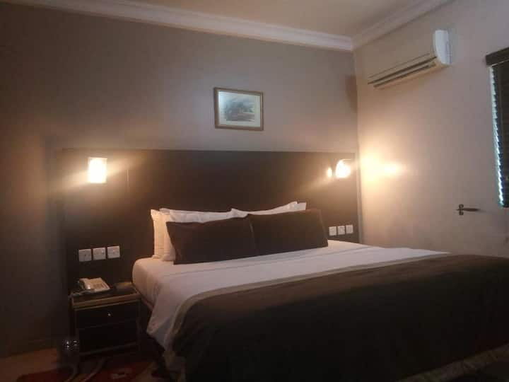 Neocourts Hotel - Junior Suite