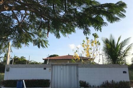 Casa ampla no Village das Palmeiras - Garrote/CE