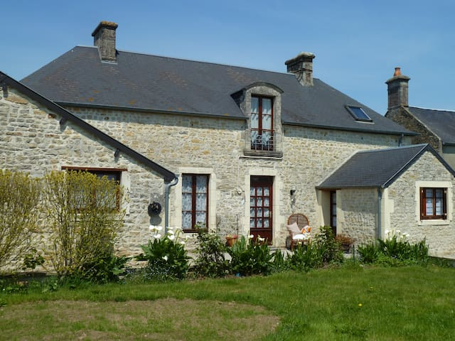 Holiday house with garden: Apt. 1 - Longueville - Byt
