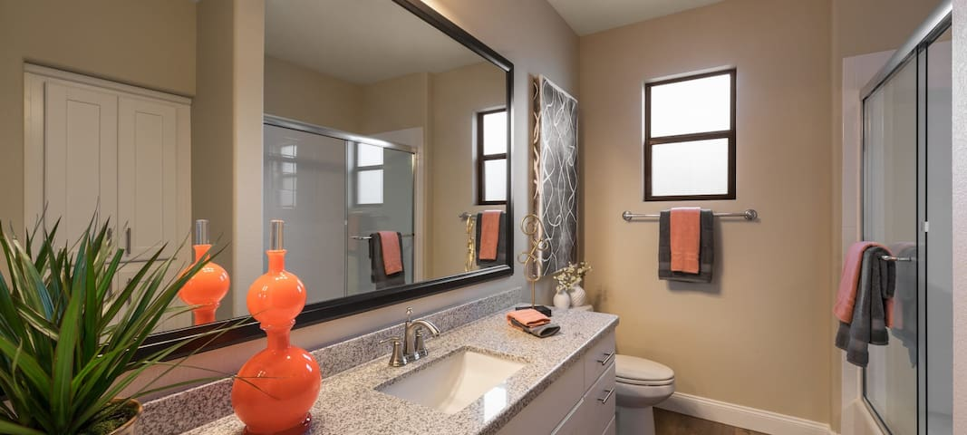 Amazing 1 BED In a upscale environment!