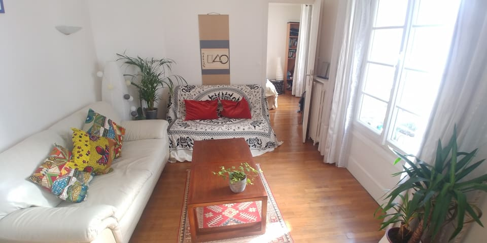 Cosy apartment, quiet and well located