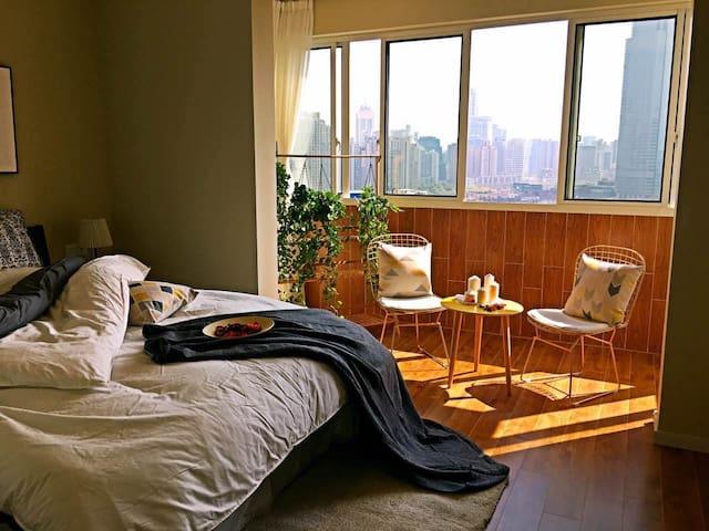 【傲娇的小窝】上海核心区:人民广场/南京路/上海站,电梯高层全南2室1厅,视野极佳,北欧清新全屋地暖 - Shanghai - Condominium