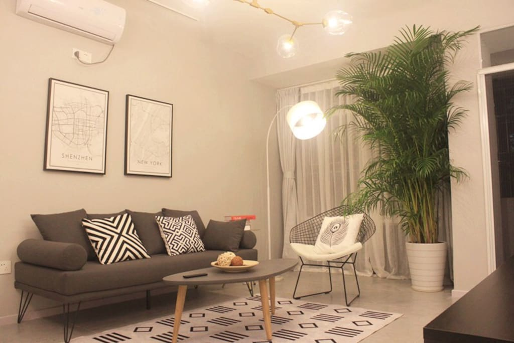 客厅空间配备小米网络电视