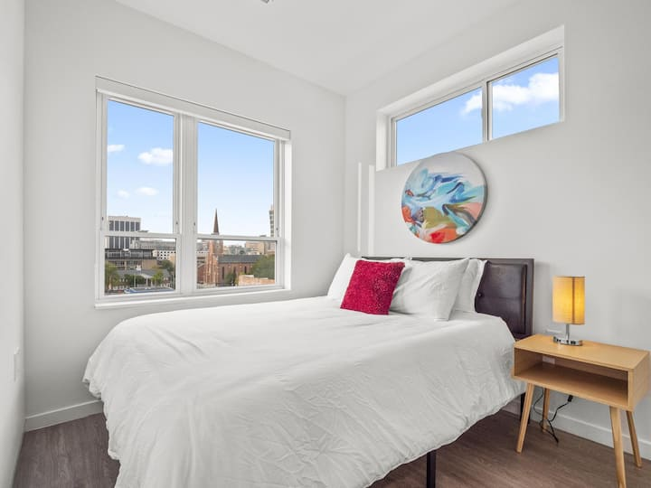 *Downtown Columbus Condo with a View*- 619
