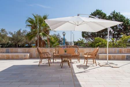Holidays Dream Villa Mare Chiaro - Marina di Felloniche - 別荘