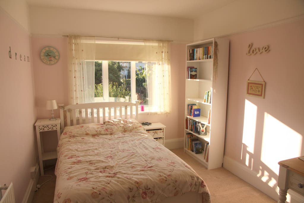 Comfortable double bed with cosy duvet