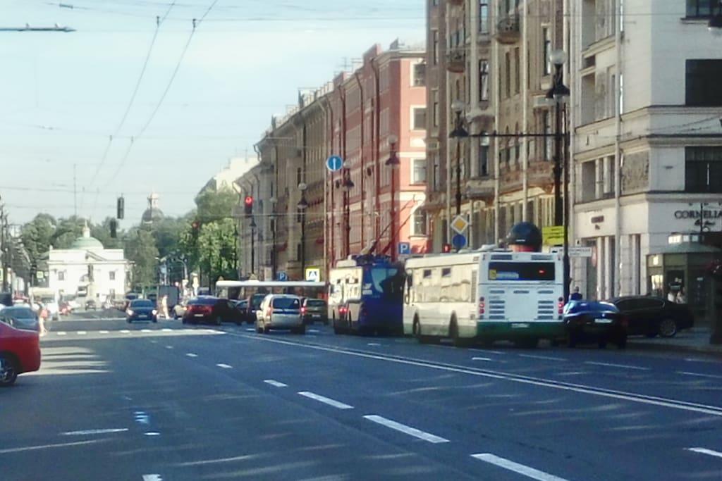 Невский проспект в сторону Александро-Невской Лавры