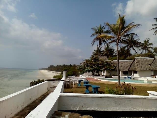 Sea view villas - Tiwi