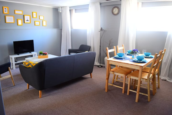 ✅CHEAP! 2 Bedroom  Spaces & Cozy in Morden.