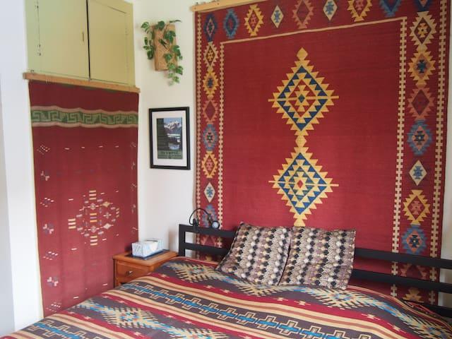 Master bedroom: King Memory Foam mattress.