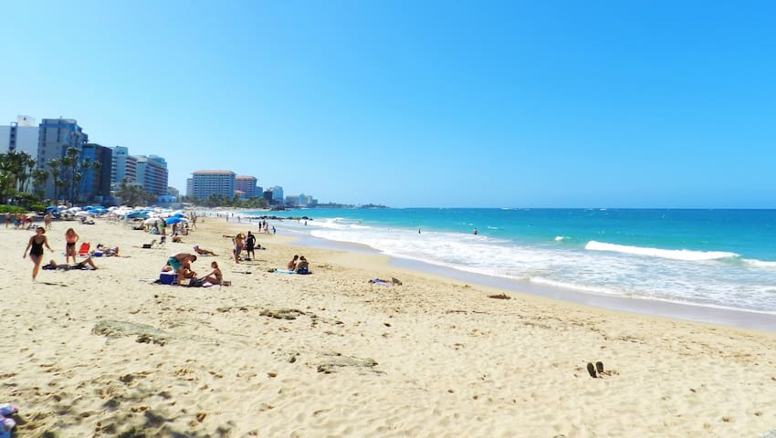 Heart of Condado:Steps from Beach,Restaurants,Park - Sant Joan - Pis