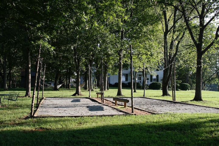 Petanque Courts