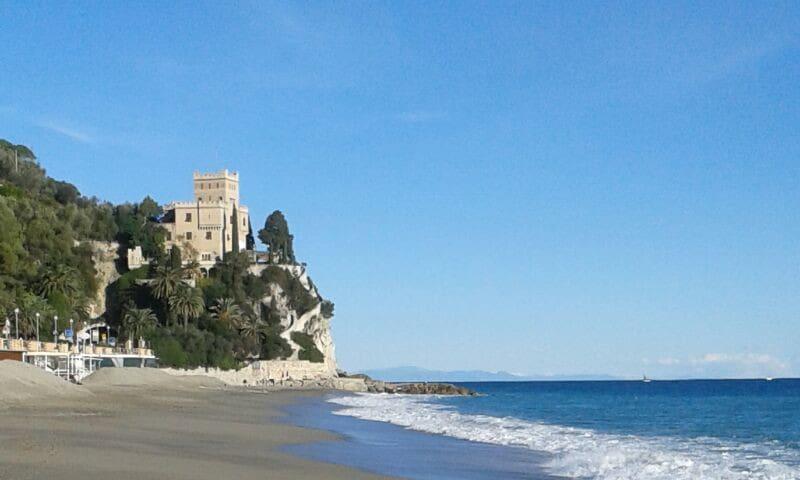 Mansarda vicino al mare - Finale Ligure