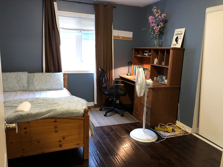 Affordable Engineer's Room #3