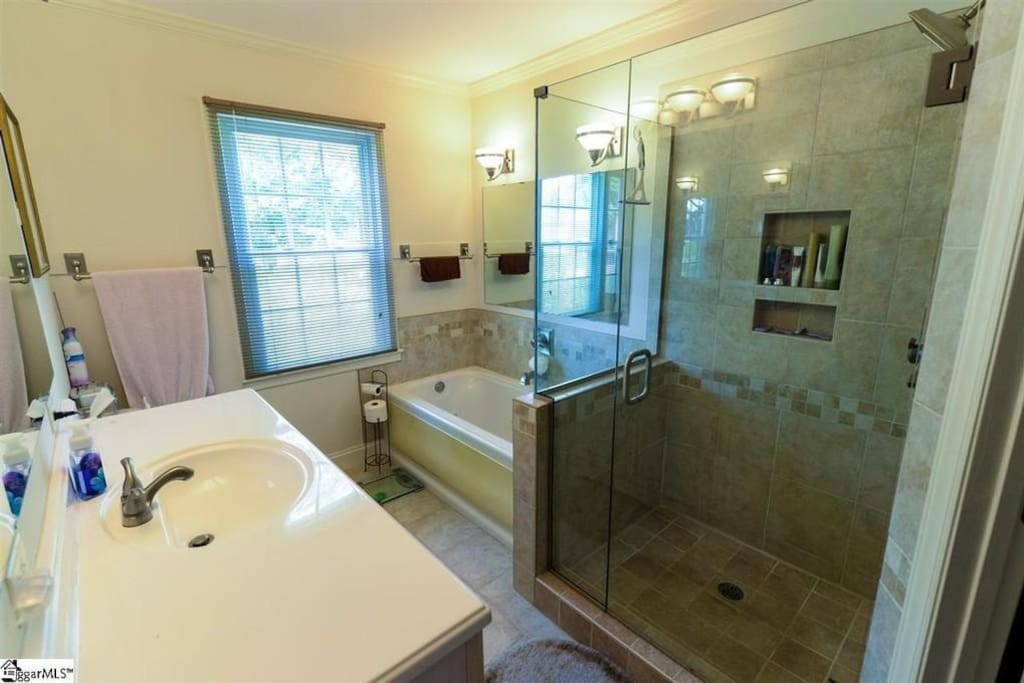 Master Bathroom (Only during whole house rental) Ask us about renting the unit