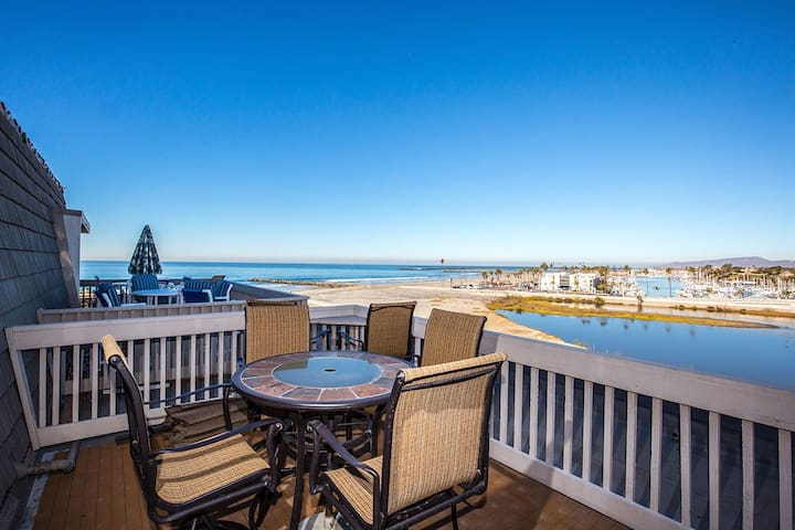 Pano Ocean & Harbor View Penthouse Condo w/2 View Balconies!