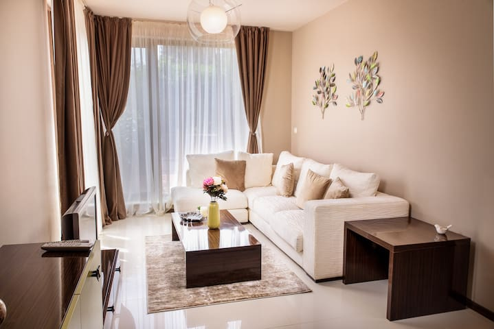 Boutique apartment - private pool and restaurant