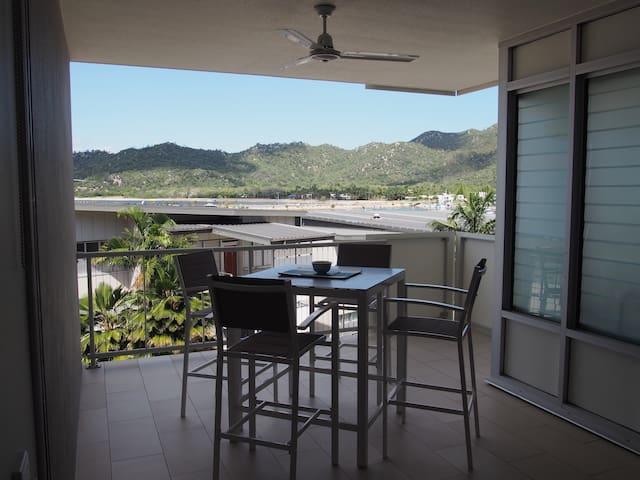 Nelly Bay, 2 bed/2bath, OCEAN VIEWS - Nelly Bay