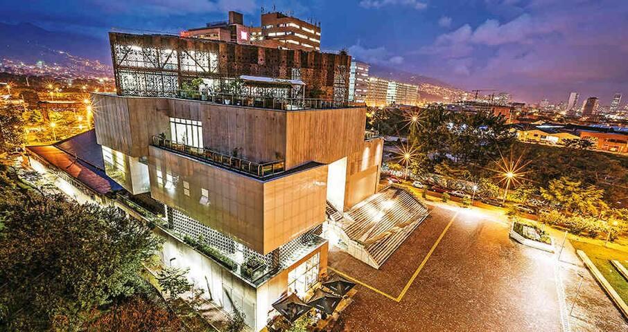 Habitación muy central en Medellín