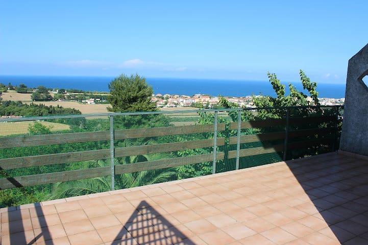 Bellissima villa con terrazzo vista mare giardino - Numana