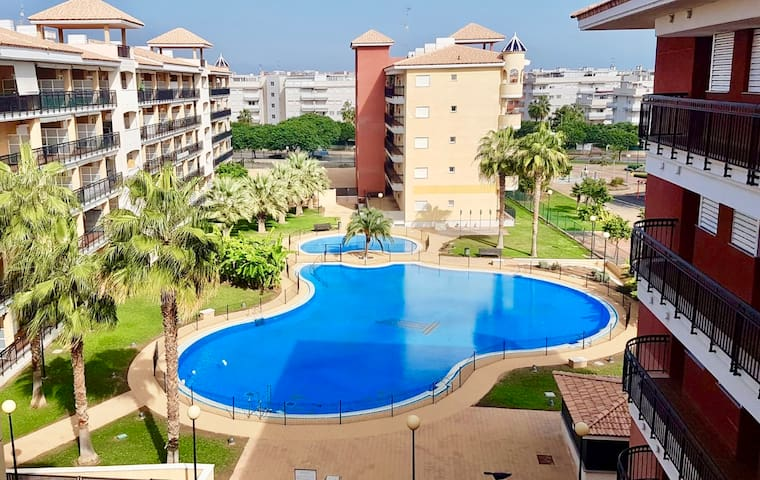 Encantador apartamento en Canet. Lovely apartment.