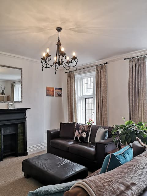 Bank House, Estuary View, Stunning Apartment