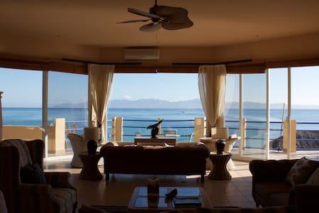 Villa Brisa Beachfront Penthouse - La Ventana