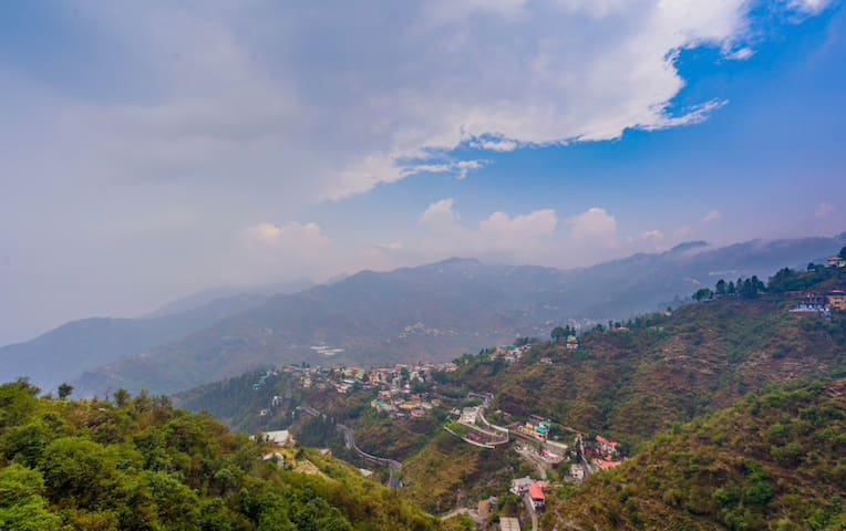 VALLEY VIEW PRIVATE ROOMS|DEHRADUN &MUSSOORIE VIEW