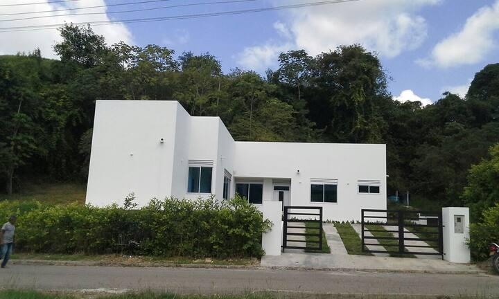 Casa quinta con piscina privada carmen de apicala